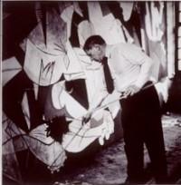 Pablo Picasso peignant 'Guernica', photographie de Dora Maar, 1937