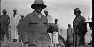 L'archeologue allemand Ludwig Borchardt sur le site de Tell el-Amarna, Egypte, 1912
