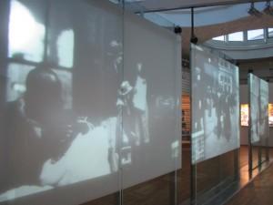 Crédit photo : Exposition Repères au Musée de l'histoire de l'immigration à Paris, photo Andrea Delaplace