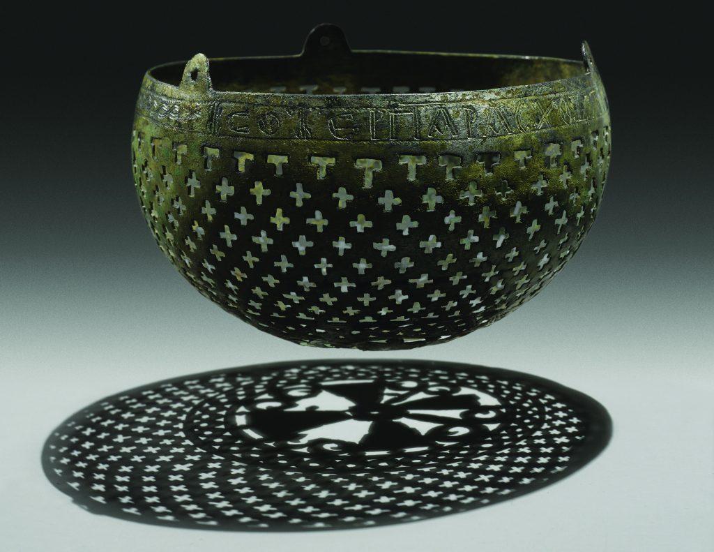 Lampe byzantine (Stefan Hagen, New York for Robert Haber & Associates)